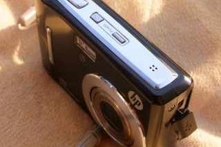 Обзор компактного фотоаппарата HP C200