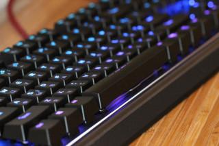 Обзор механической клавиатуры Patriot Viper V760