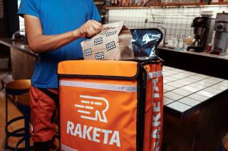 Raketa внедряет бесконтактную доставку