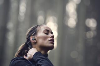 Bang & Olufsen Beoplay E8 Sport — наушники для любителей активного образа жизни
